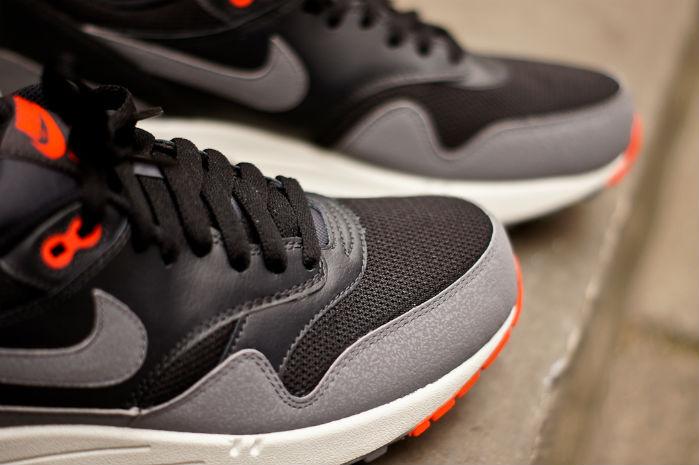 Nike Air Max 1 Preto/Cinzento