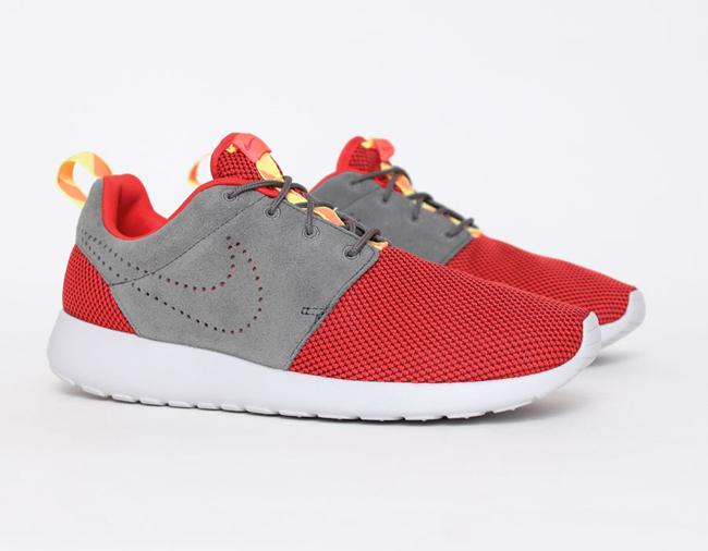 Nike Rosherun Challenge Red & Dark Pewter