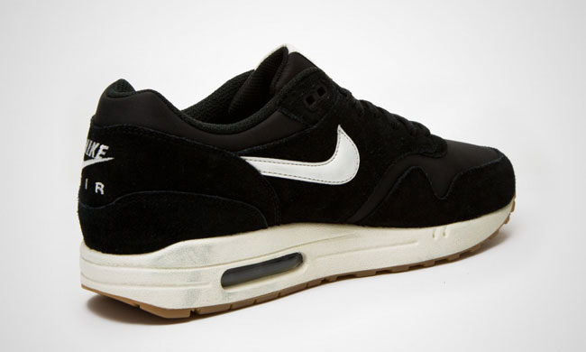 Nike Air Max 1 Essential Black / Gum