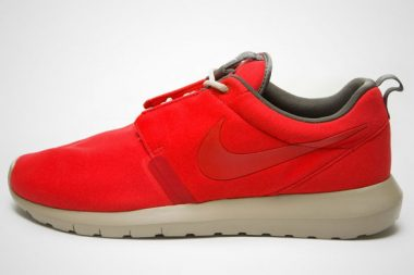 Nike Roshe Run NM Red
