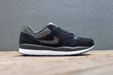 Nike Air Safari Black