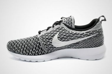 Nike Roshe Run Flyknit Black/White Dark Grey