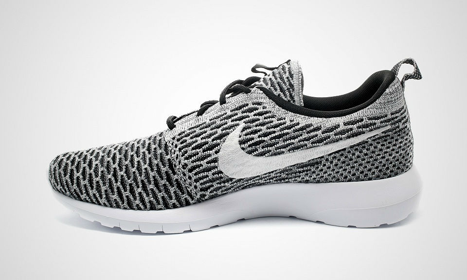 Nike Roshe Run Flyknit Black/White Dark Grey