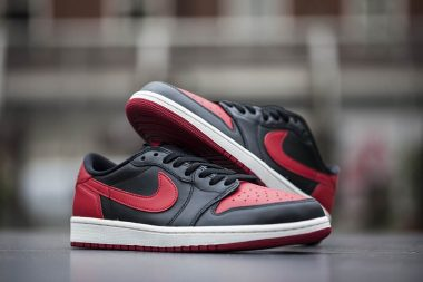 Air Jordan 1 Low OG black Varsity Red Sail