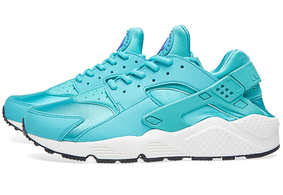 nike air huarache run light retro sail