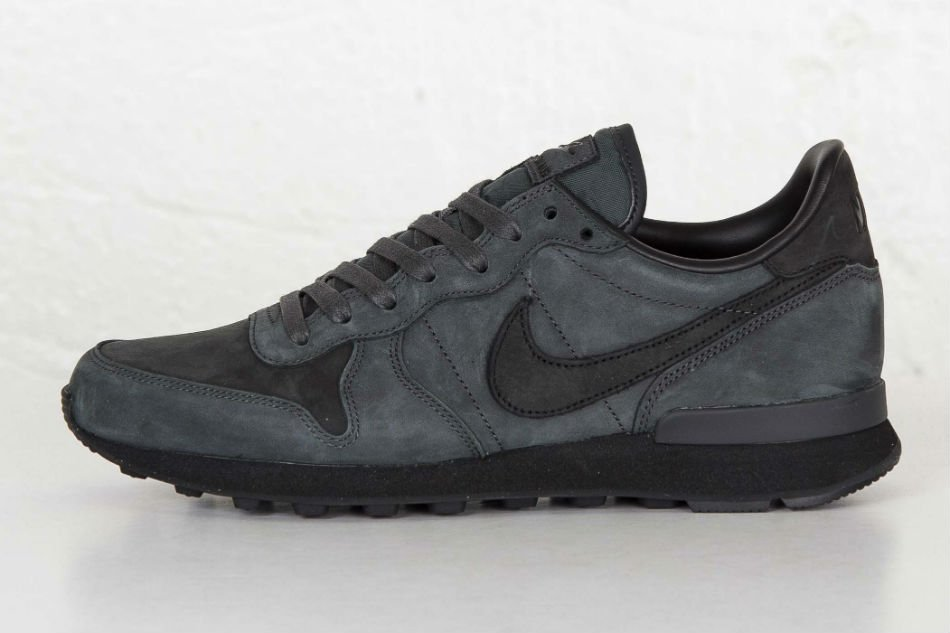 nike internationalist lx anthracite