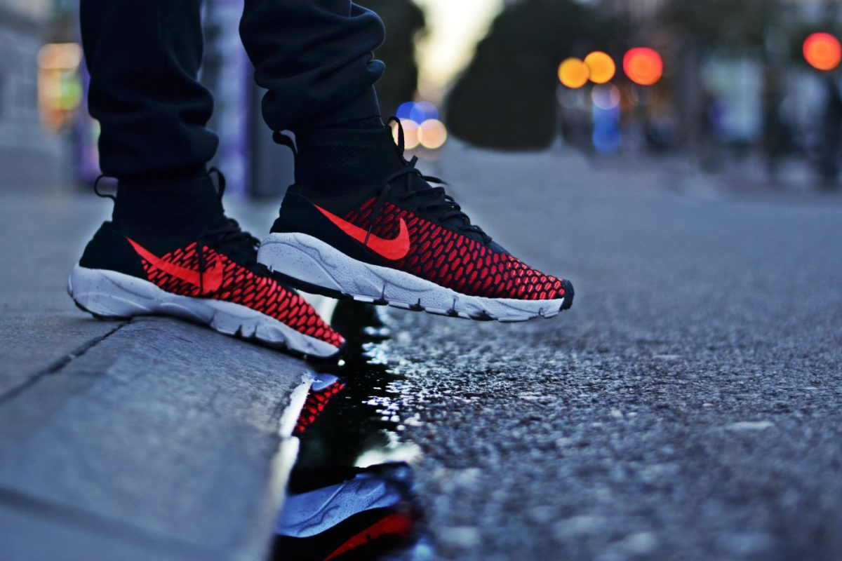 Nike Air Footscape Magista Flyknit Black/Bright Crimson