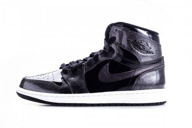 Air Jordan 1 Retro High Black
