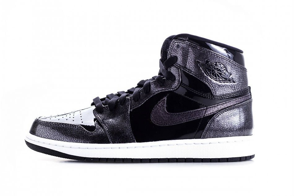 Air Jordan 1 Retro High Black