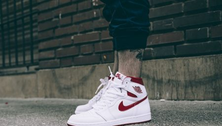 "Air Jordan 1 Retro High ""Metallic Red"" estão de volta"