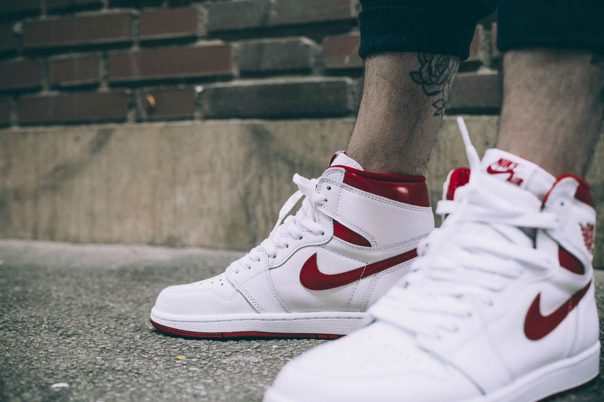 "Air Jordan 1 Retro High ""Metallic Red"""