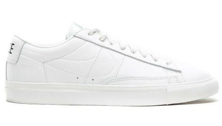 Nike Blazer Low em versão 'Triple White'