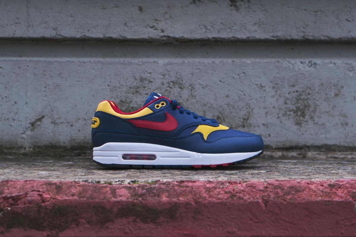 Nike Air Max 1 875844-403