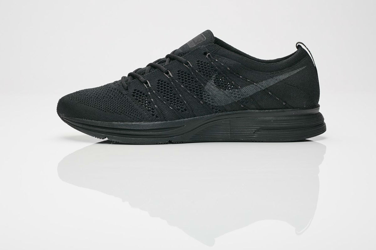 Nike Flyknit Trainer All Black