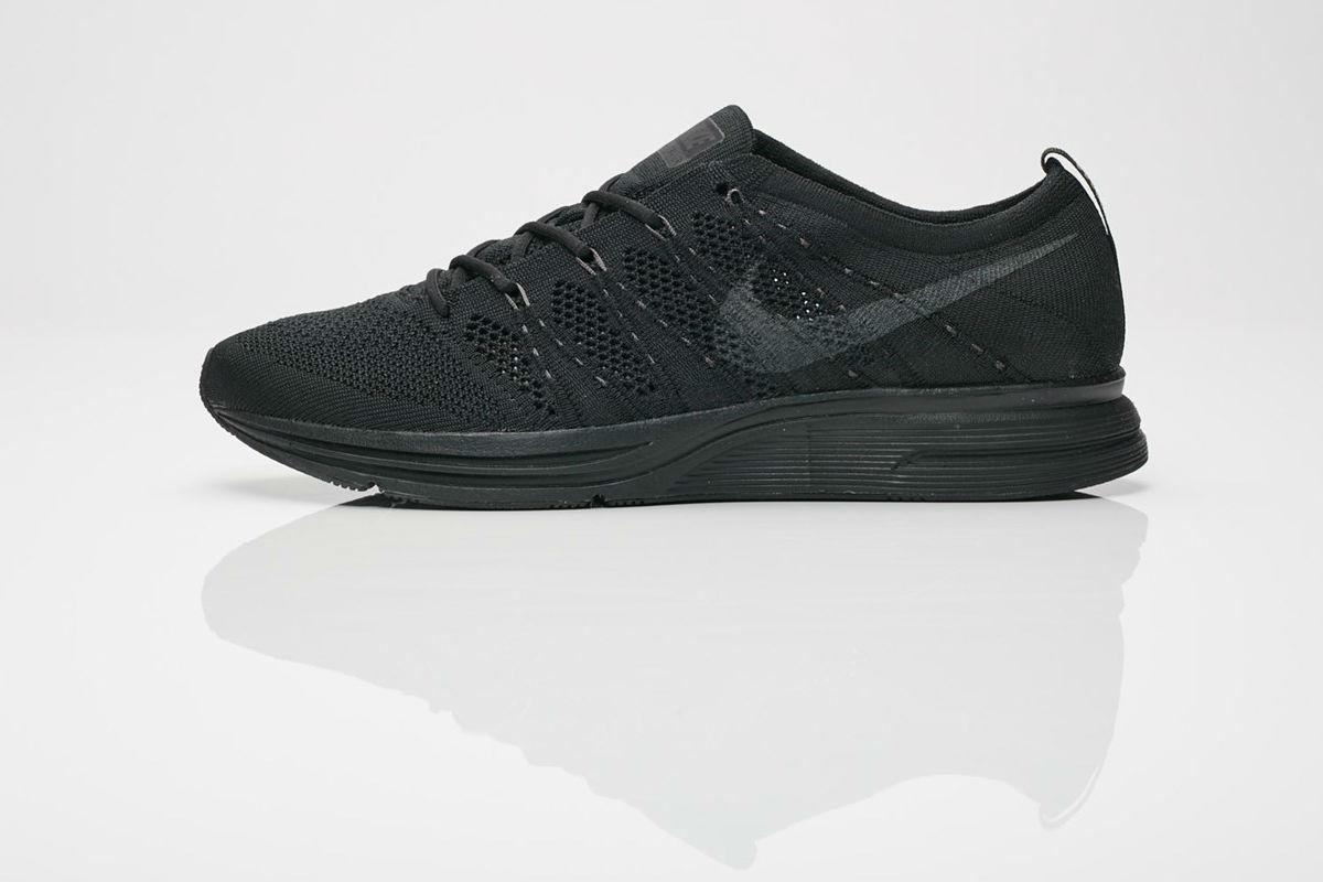 Nike Flyknit Trainer All Black